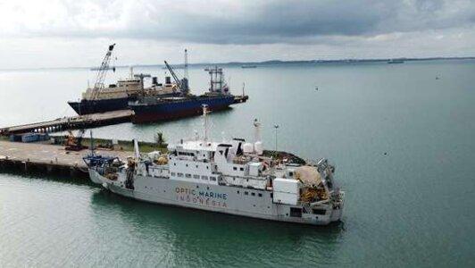 Kapal Perawatan Jaringan Internet Bawah Laut